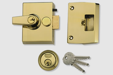 Nightlatch installation by Charlton master locksmith